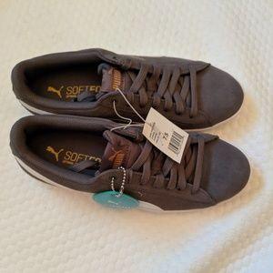 Soft foam tennis shoes